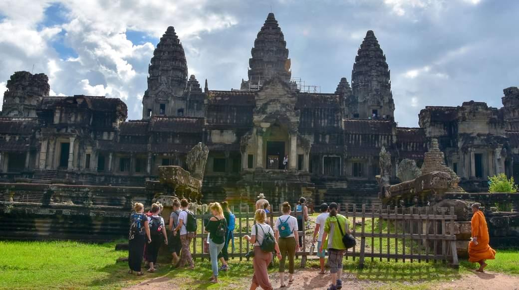 Angkor Wat Group Tour