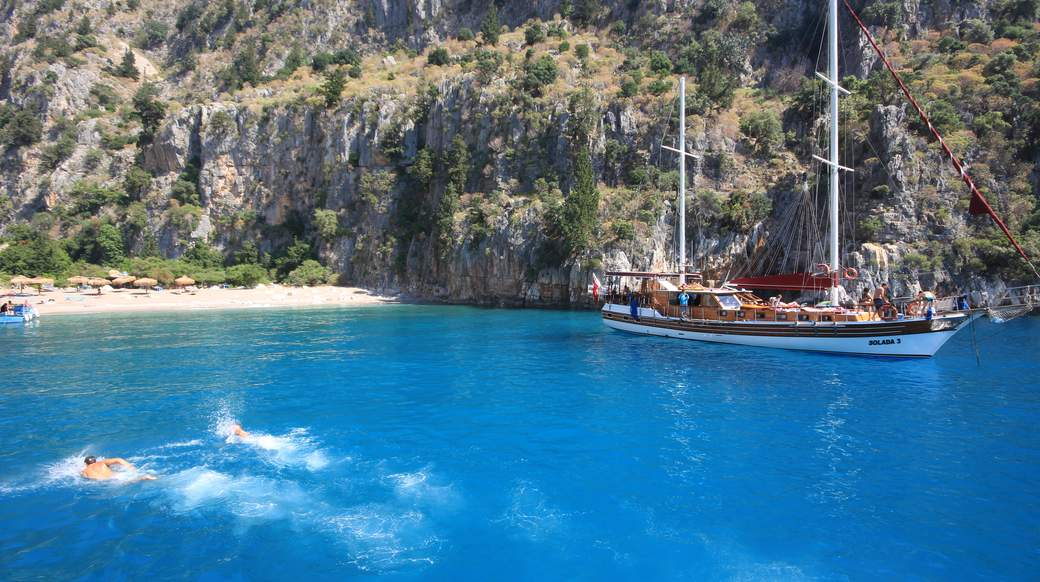 sailing the days away in the blue water of turkey