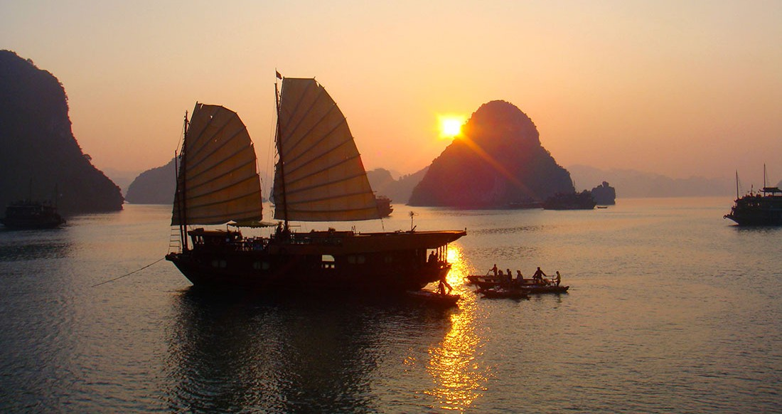 halong bay vietnam sunset boat cruise