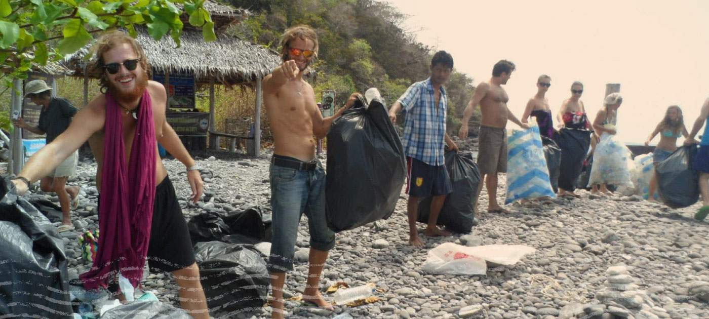 Our Travelers Clean a Beach